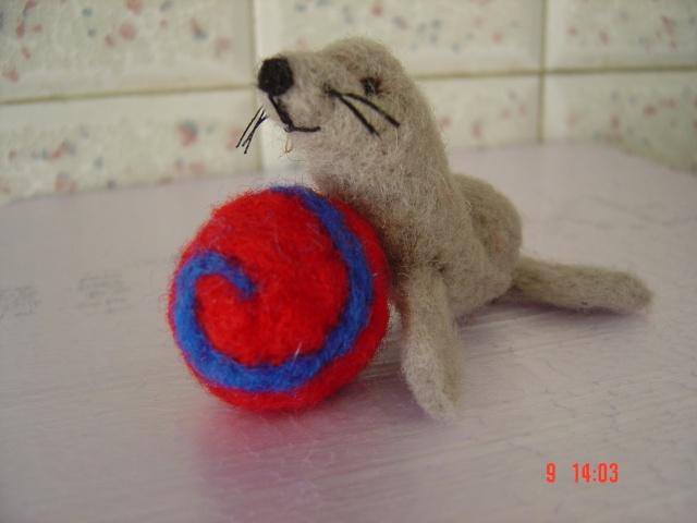 La laine cardée/feutrée Dsc01910