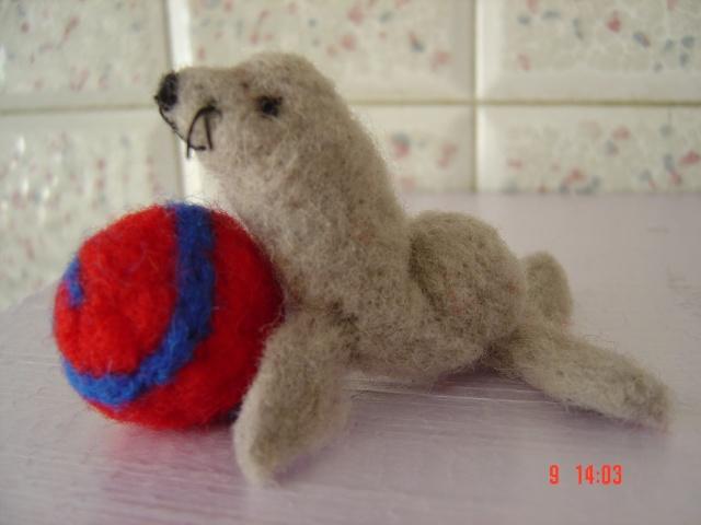 La laine cardée/feutrée Dsc01911