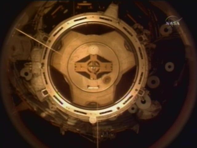 STS 120: la mission - Page 17 Vlcsna37