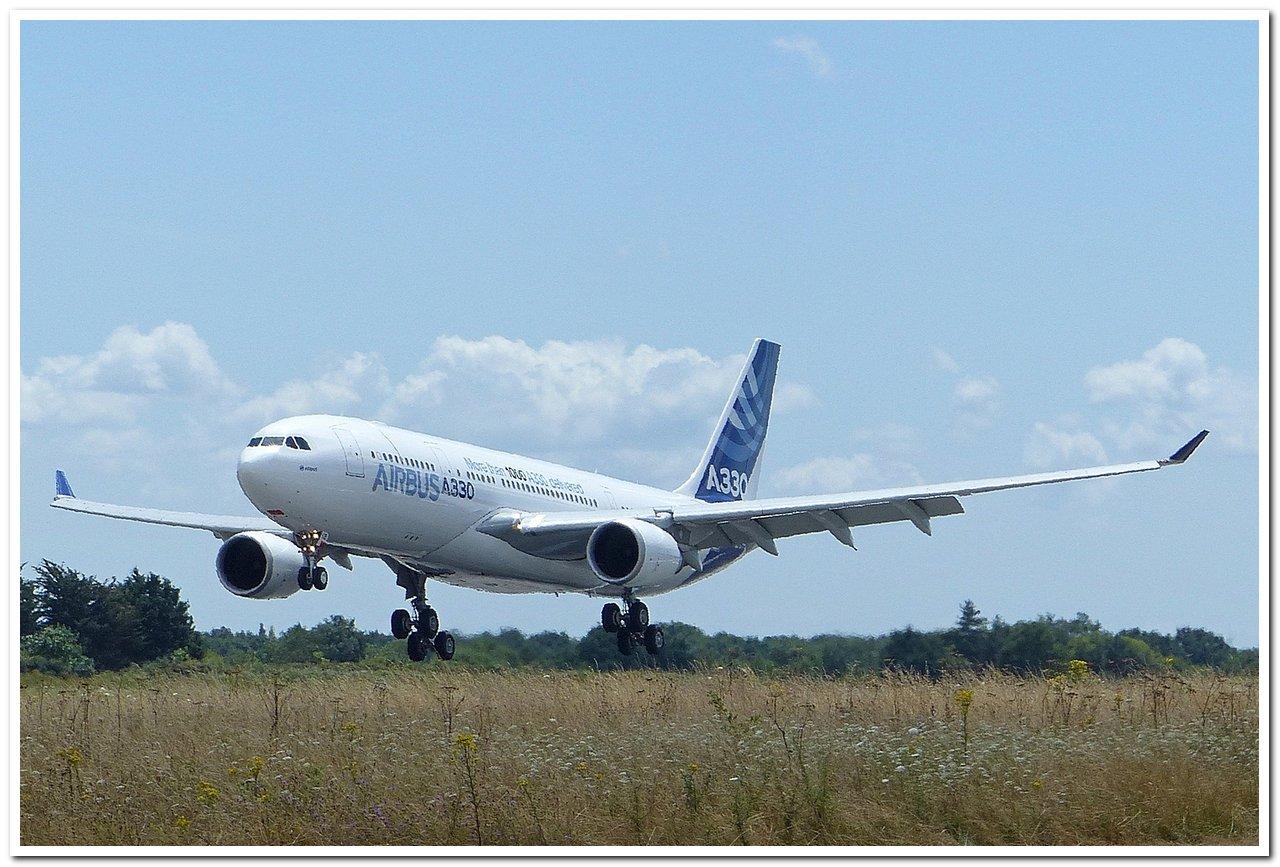 [22/07/2015] Airbus A330-200 (F-WWCB) Airbus Industries P1030710