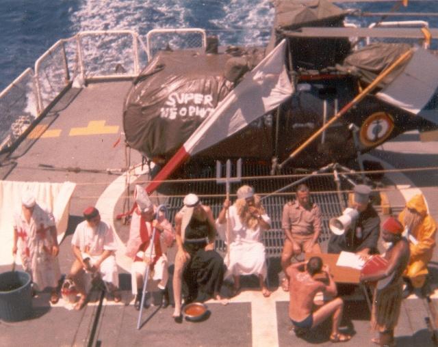 [ Les traditions dans la Marine ] LE PASSAGE DE LA LIGNE - ÉQUATEUR (Sujet unique) - Page 2 Ligne310