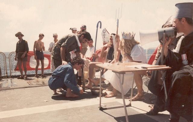 [ Les traditions dans la Marine ] LE PASSAGE DE LA LIGNE - ÉQUATEUR (Sujet unique) - Page 2 Ligne511