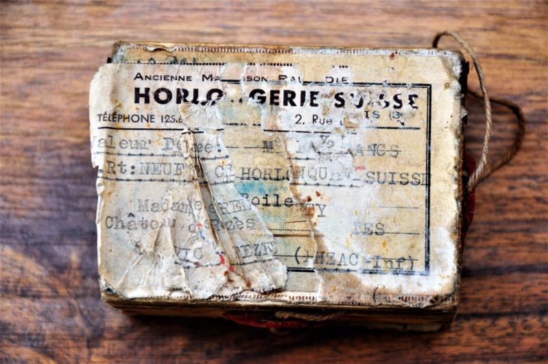 """Un boite  """"horlogerie Suisse"""" Dsc_0212"""