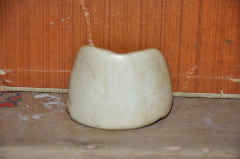 Sans doute une molaire d'hippopotame travaillée.  Dsc_0474