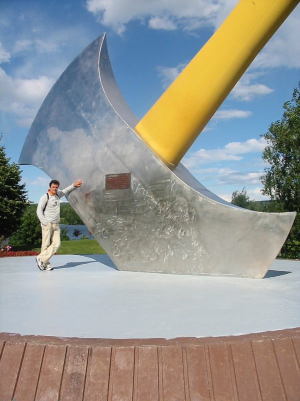objet sculptural de grande dimension Usacan10