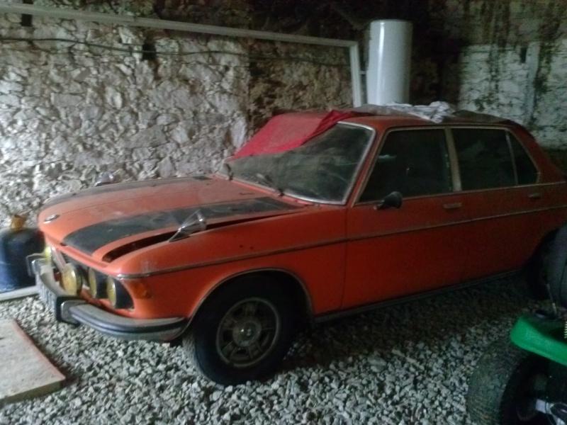 BMW 3.0L si (restauration) Cam00411