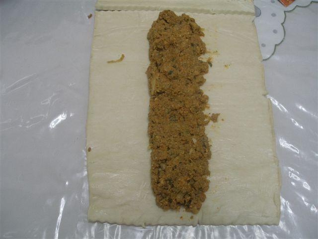 Escargots de pate feuilletée à la viande ou faire une tress P6012010