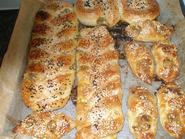 Escargots de pate feuilletée à la viande ou faire une tress P6012016