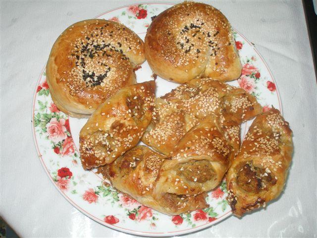 Escargots de pate feuilletée à la viande ou faire une tress P6012017