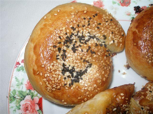 Escargots de pate feuilletée à la viande ou faire une tress P6012019