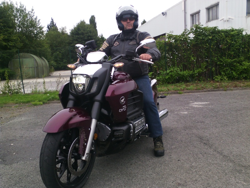F6C, une moto à part. 14410