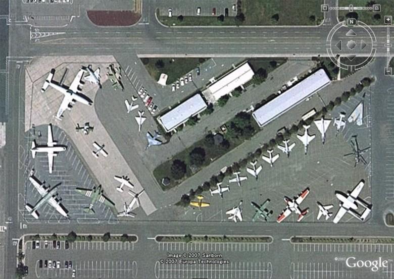 Musées Aviation - Page 5 Sacram10