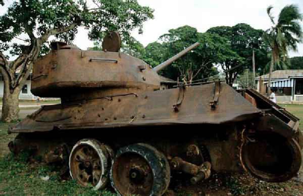 Quels blindés pour le Vietnam Laos4310