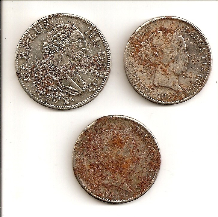 3 monedas falsas de Carlos III e Isabel II Escane47