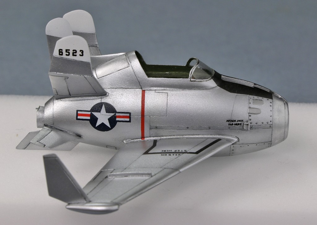 "McDonnell XF-85 ""Goblin"" [1:72-MPM] - Page 2 Img_4321"