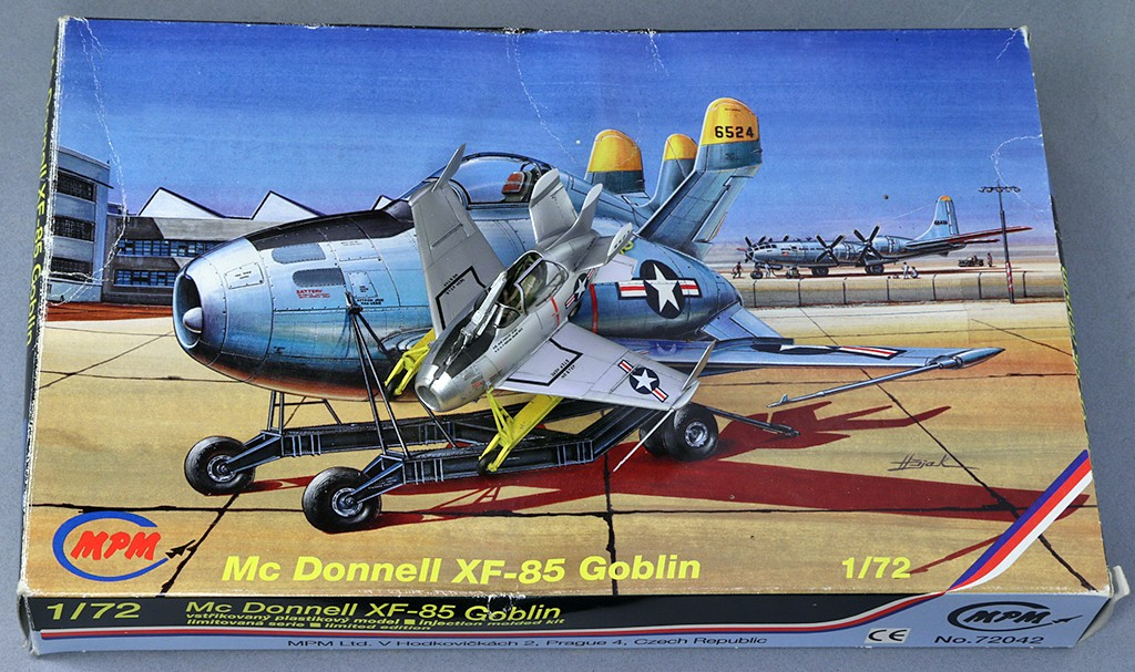 "McDonnell XF-85 ""Goblin"" [1:72-MPM] - Page 2 Img_4410"