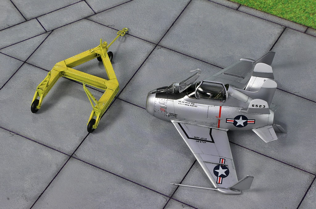 "McDonnell XF-85 ""Goblin"" [1:72-MPM] - Page 2 Img_4411"