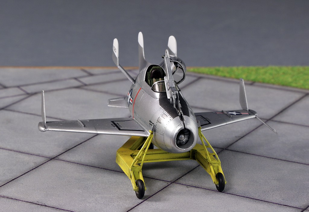 "McDonnell XF-85 ""Goblin"" [1:72-MPM] - Page 2 Img_4413"