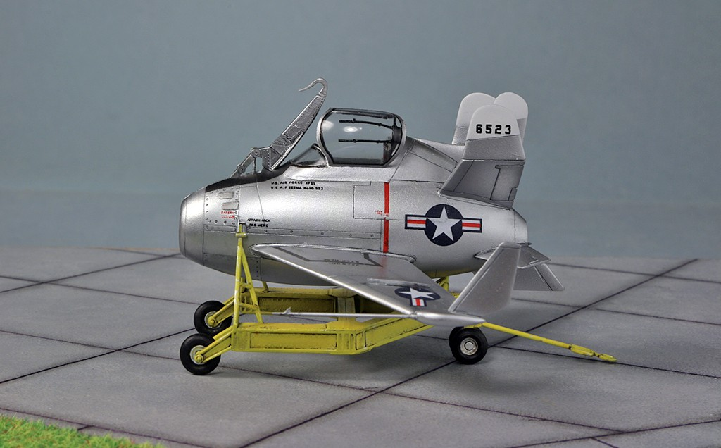"McDonnell XF-85 ""Goblin"" [1:72-MPM] - Page 2 Img_4416"