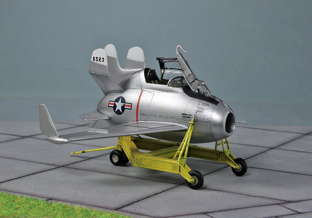 "McDonnell XF-85 ""Goblin"" [1:72-MPM] - Page 2 Img_4417"