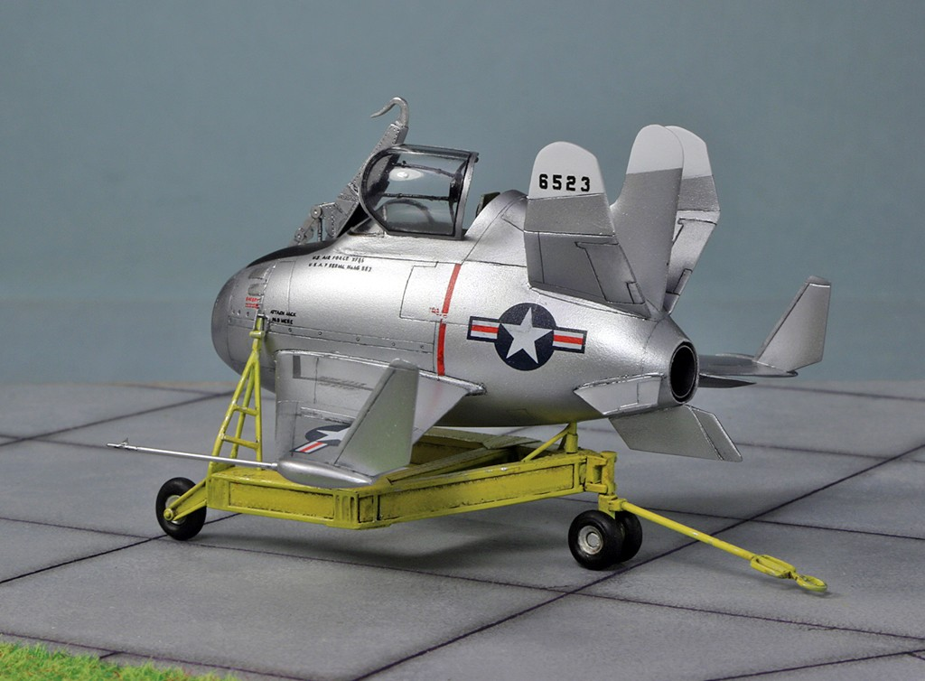 "McDonnell XF-85 ""Goblin"" [1:72-MPM] - Page 2 Img_4419"