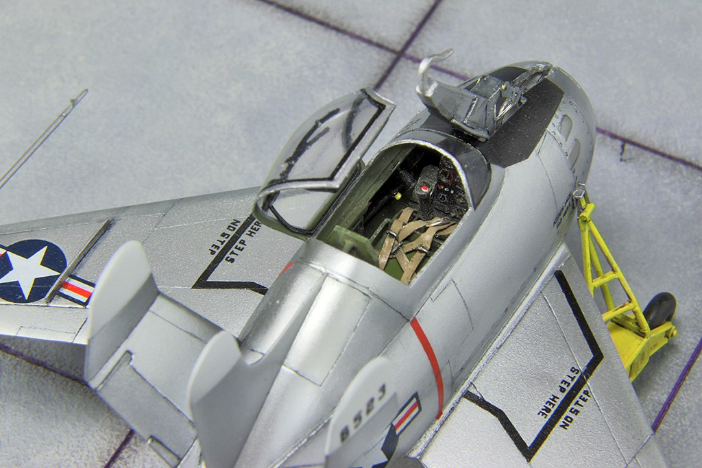 "McDonnell XF-85 ""Goblin"" [1:72-MPM] - Page 2 Img_4420"