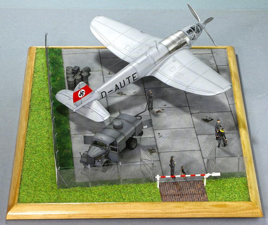 Heinkel He 119 V4 (Planet Models 1:72) Img_4612