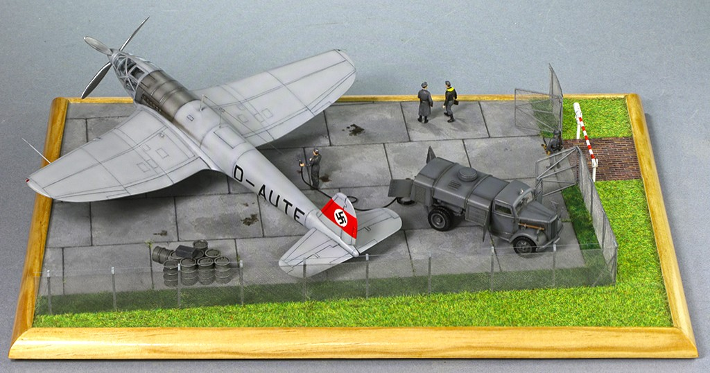 Heinkel He 119 V4 (Planet Models 1:72) Img_4613