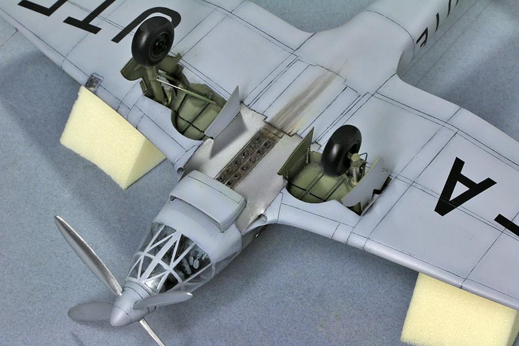 Heinkel He 119 V4 (Planet Models 1:72) Img_4618