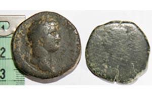 Sestercio de Hadriano y As contramarcado de Celsa Ases10