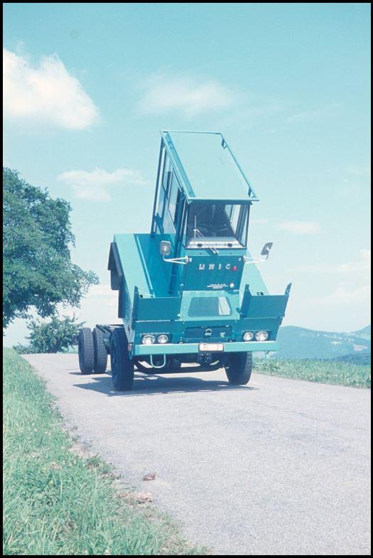 Les camions porte-fer 320