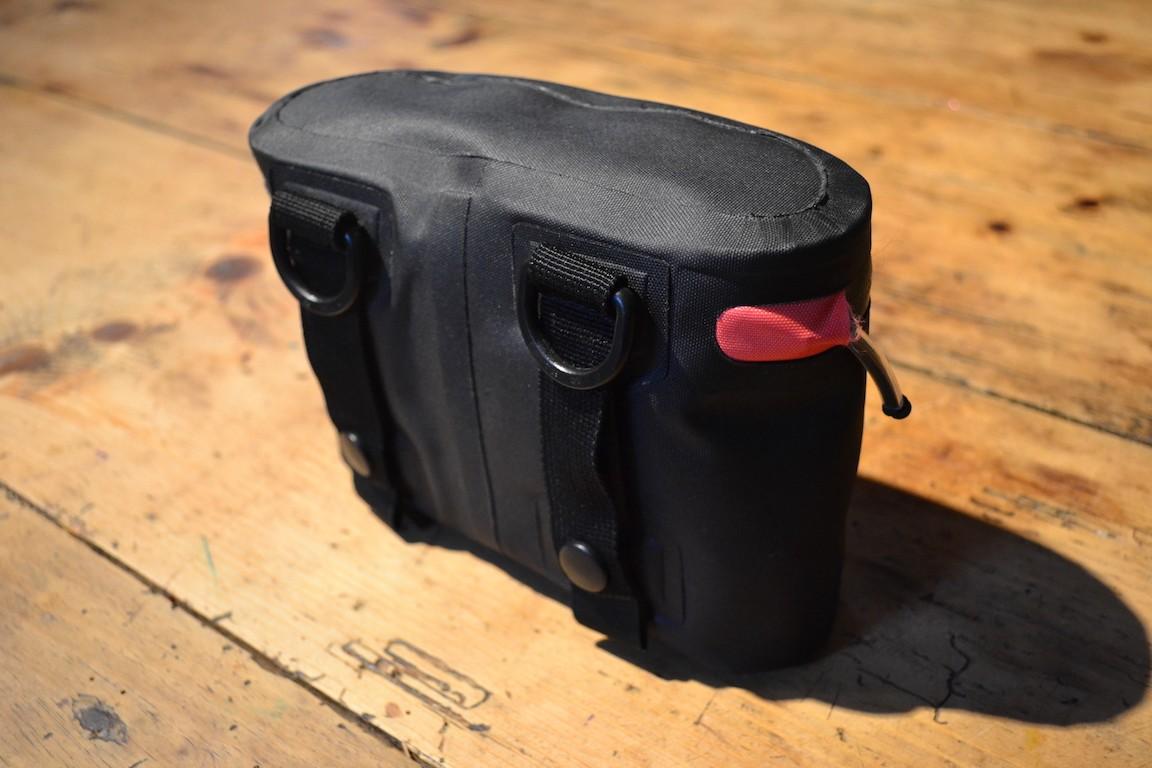 Accessoires à la ceinture Dsc_0119