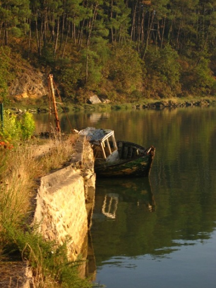 Fin de vie .... Cimetières de bateaux .... Img_0712