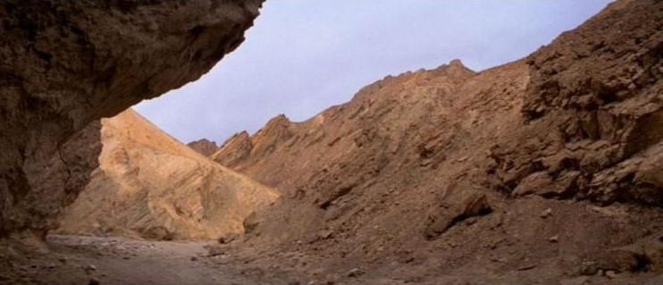 "La ""Death Valley"" de Tatooine (Star Wars 4 : A New Hope)  10-sw410"