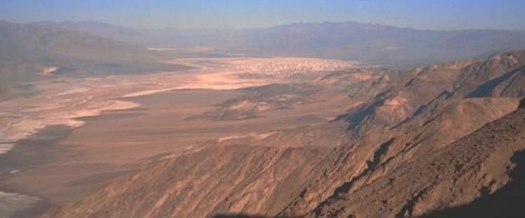 "La ""Death Valley"" de Tatooine (Star Wars 4 : A New Hope)  18-sw410"