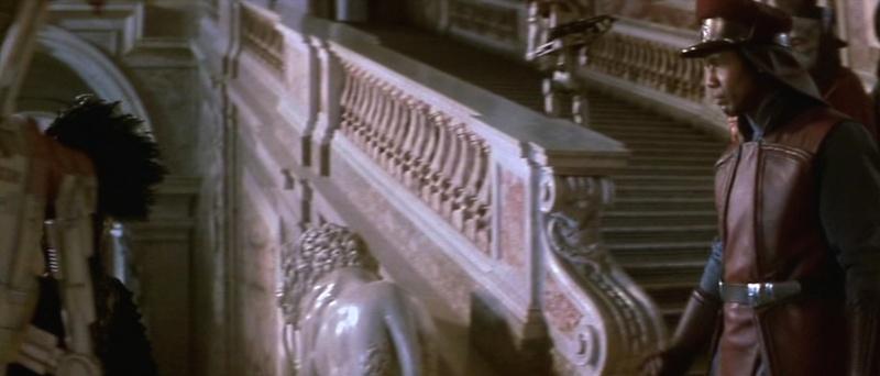 De La menace fantôme (The Phantom Menace) à l'Attaque des clones (Attack of the Clones). A Caserta, dans le palais d'Amidala (planète Naboo) 1999-s11