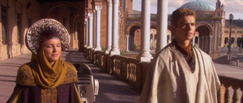 Star Wars 2 : Attack of the Clones. A Séville, dans la cité de Theed (capitale de Naboo) 2002-s11