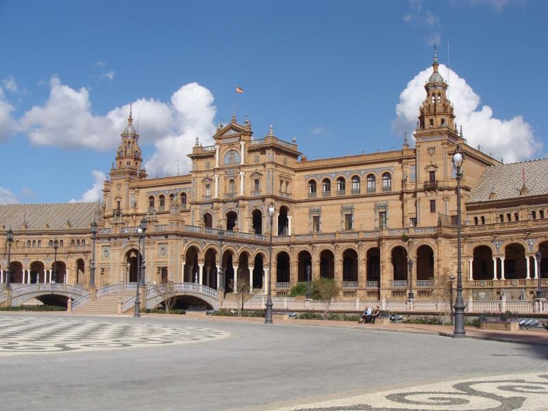 Star Wars 2 : Attack of the Clones. A Séville, dans la cité de Theed (capitale de Naboo) 2012-s10