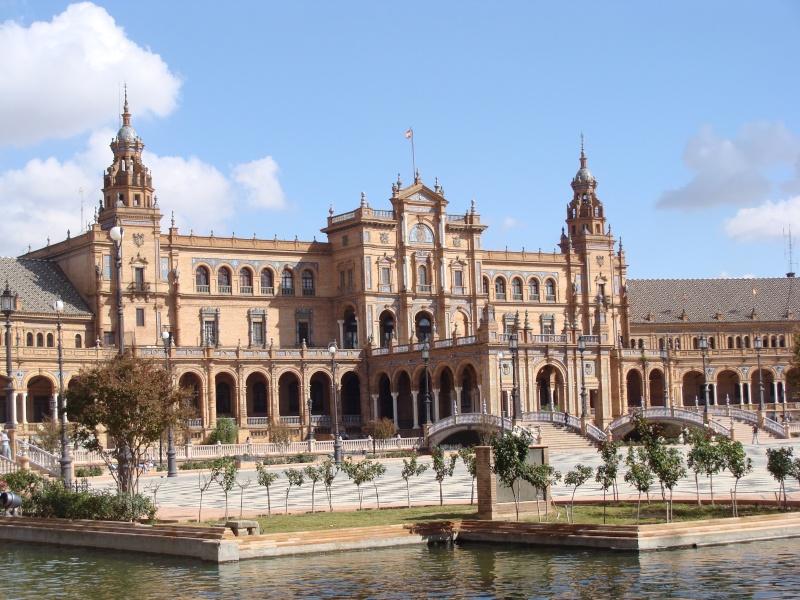 Star Wars 2 : Attack of the Clones. A Séville, dans la cité de Theed (capitale de Naboo) Dsc08011