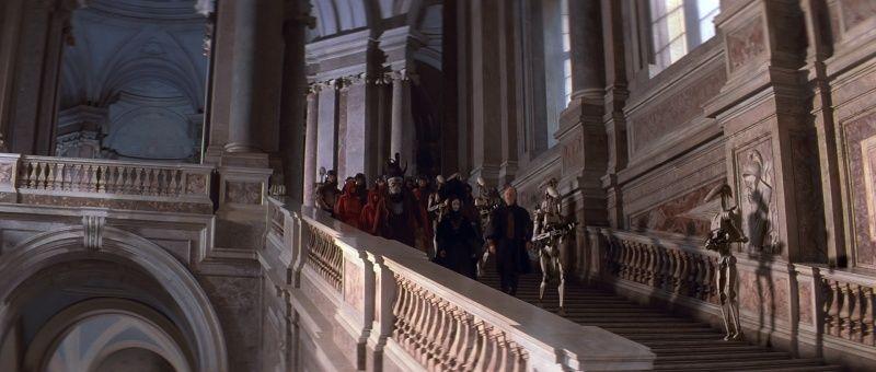 De La menace fantôme (The Phantom Menace) à l'Attaque des clones (Attack of the Clones). A Caserta, dans le palais d'Amidala (planète Naboo) Sw1-ca10