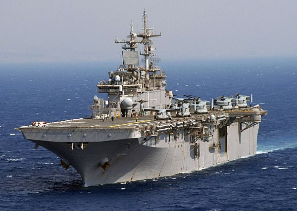 Amphibious assault ship (LHA - LHD - LPD) Web_0710