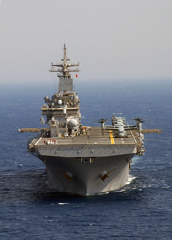 Amphibious assault ship (LHA - LHD - LPD) Web_0711