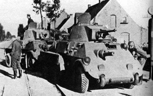 Vehiculos y Tanques capturados por los Alemanes Pantse11