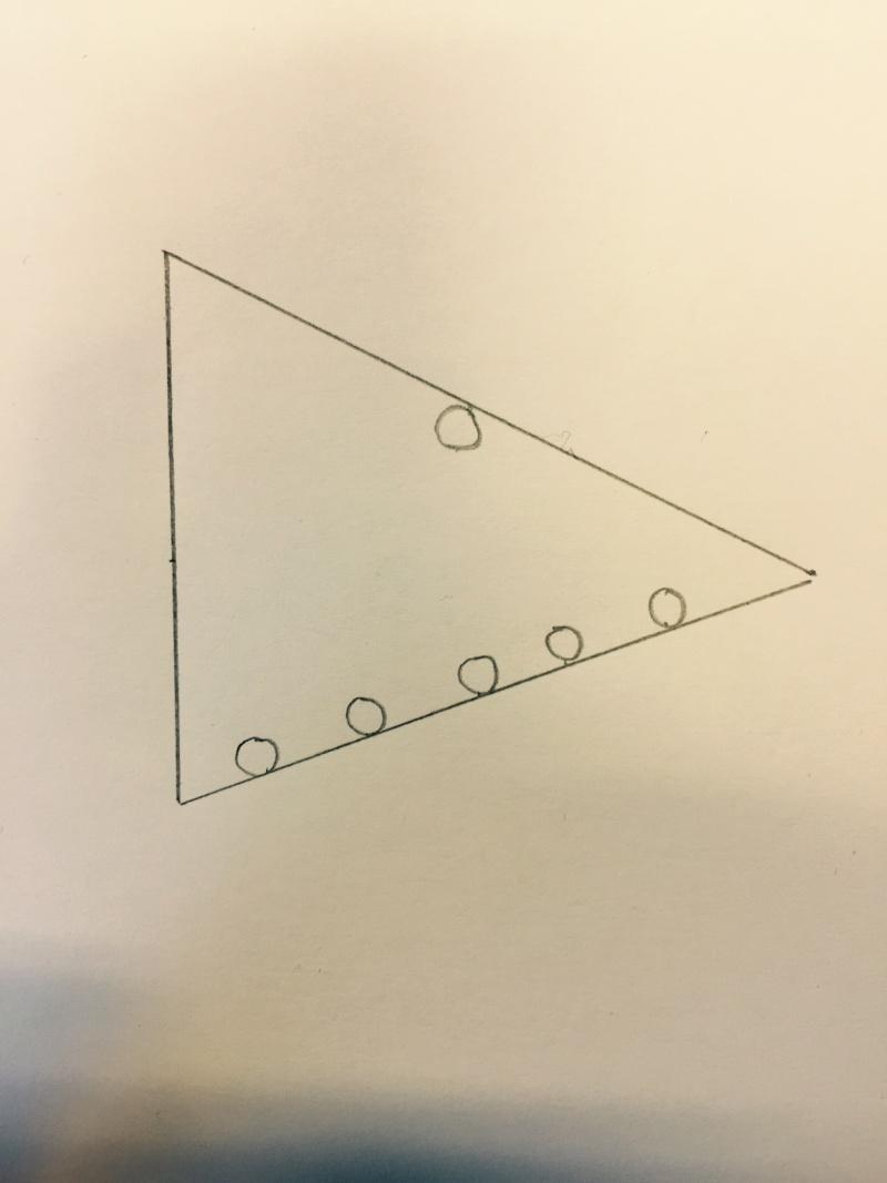 2015: le 05/08 à 23h54 - Ovni en Forme de triangle -  Ovnis à Fribourg -  Croqui12