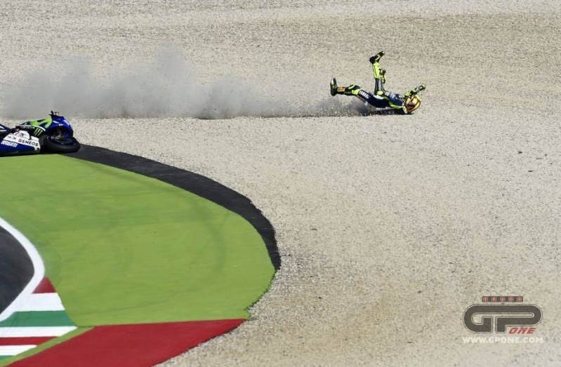 Moto GP 2015 - Page 2 10917410