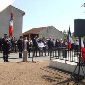 Le porte-drapeau national dans la vallée de l'Aude   14d37912