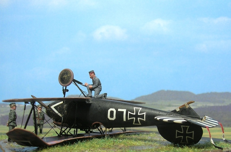 Albatros D-Va Ernst Udet 1/72 Albatr17