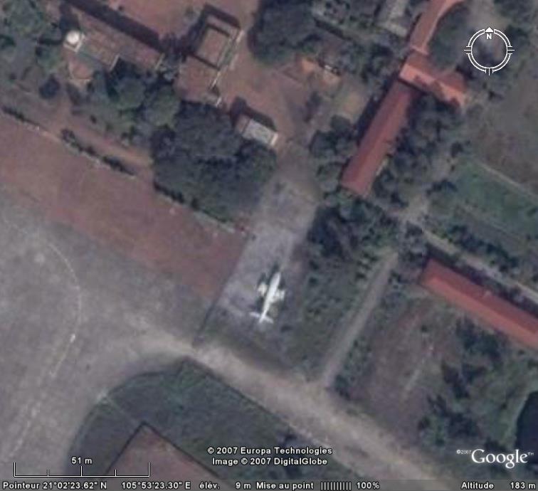 AVIONS CRASHES CIVILS OU MILITAIRES - Page 3 Hanoi10