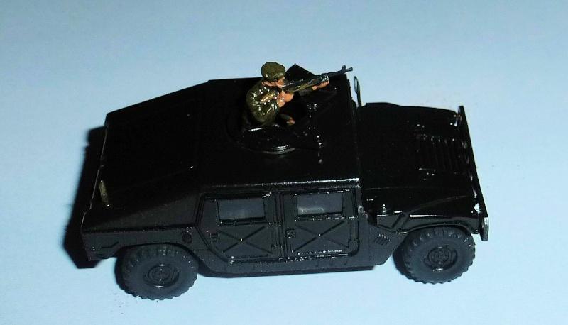HMMWV (Hummer) 1/72 Revell et Dragon Hmmwv_10