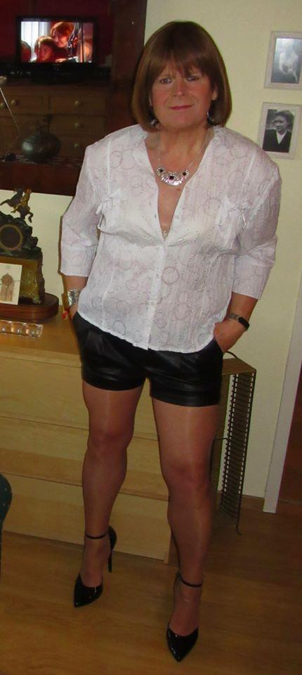 Olivia, chez moi un brin sexy 10830410